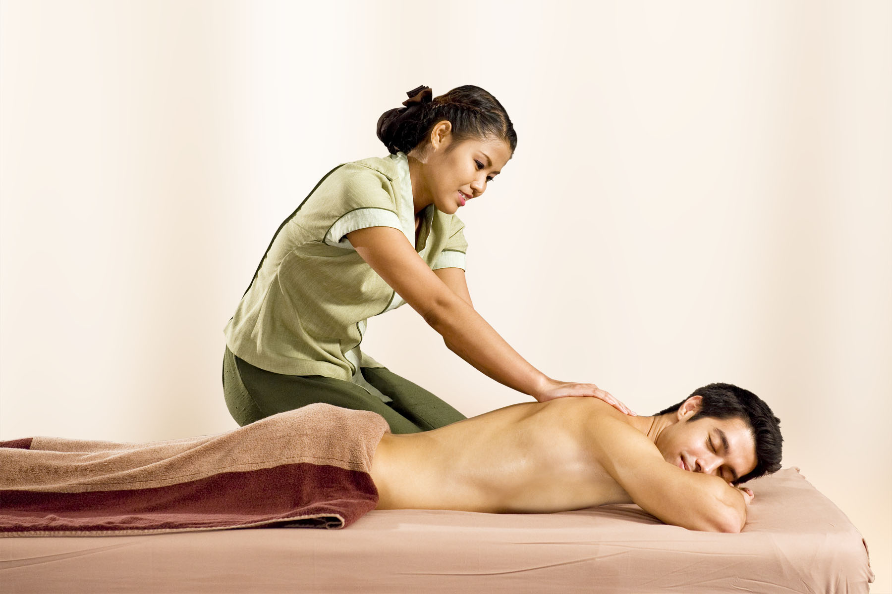 Thai massage wellness skanderborg for mange kokke fordærver maden